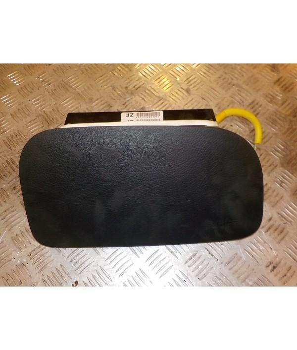 Подушка безопасности пассажирская (в торпедо)